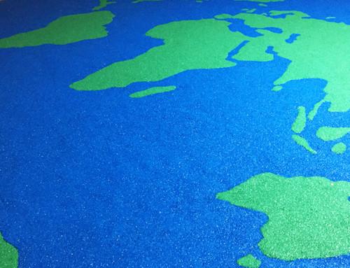 Verdenskortet lavet af faldgummi